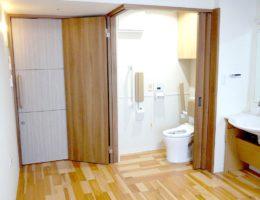 二方向開閉トイレ