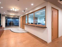 玄関〜事務所